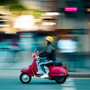 車やバイクで短距離走行を繰り返すとどうなる?メンテナンス方法も紹介