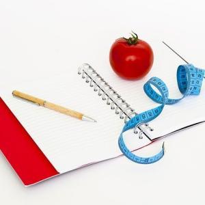 夜ヨーグルト生活2週間目の報告、今後は体重計に乗る事を日課にする