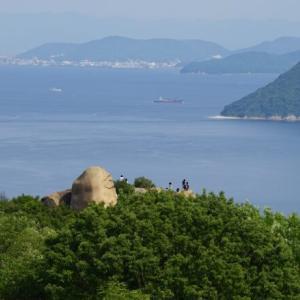 息を飲む美しさ、王子ヶ岳から見下ろす瀬戸内海と瀬戸大橋の絶景観光