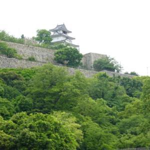 日本一の高さを誇る美しい石垣の丸亀城に魅せられて