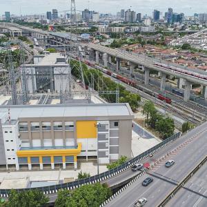 タイ 新しい「バンスー中央駅」