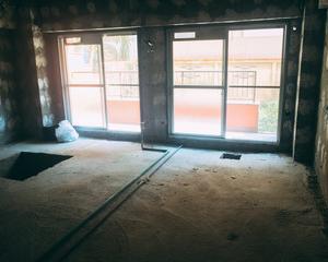 外壁塗装 足場 狭い