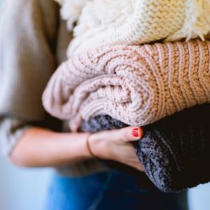 バスタオルやワイシャツ、ニットを洗濯する時の洗濯ネットの使い方