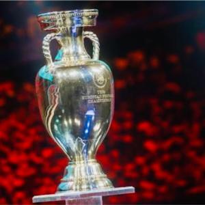 EURO2020 ベスト16揃う!