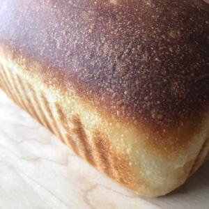 バターなし高加水パン