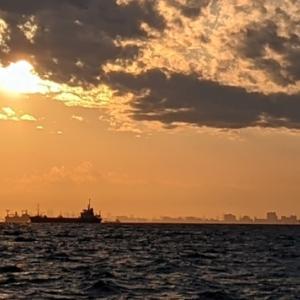★ 【釣れんジャー丸 改】出撃!!…… って?!風?波?『釣れん船長』のモチベーションを上げろ✊