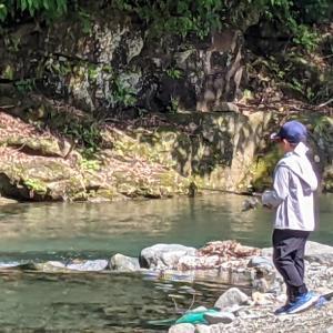 ★ ② 【リヴァスポット早戸】で41匹のレインボーと戯れる ② 〜 自然の釣りと『管理釣り場』の違いって? 〜