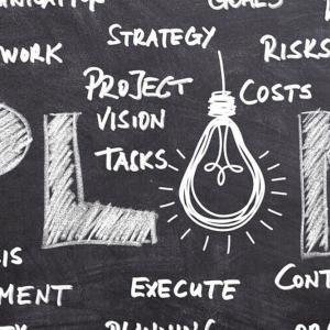 起業が中心?顧客が中心?マーケットインとプロダクトアウトの考え方と戦略について
