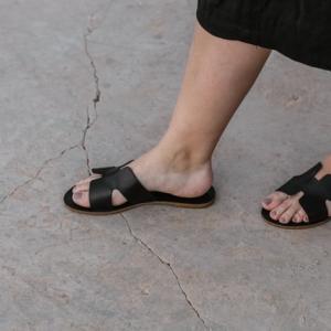 片麻痺でも履けるサンダルの紹介 オシャレに諦めない