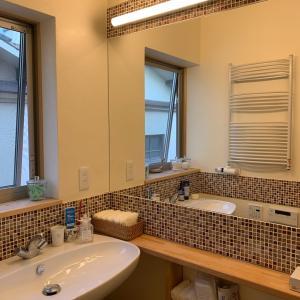 洗面台の鏡はサイドの方がいい‼︎