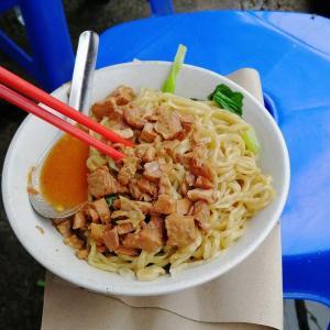 【ジャカルタで食べる】マンガブサール通りにある朝限定のおいしいBakmi(バッミー)屋台