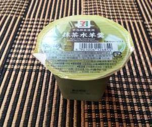 【セブン】抹茶が濃厚!ゼブンイレブンの抹茶水羊羹を食べてみた
