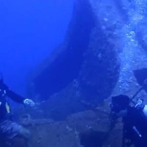 グアムの海に沈む「東海丸」日本船に潜って戦時中を思う。
