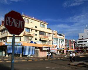 ボルネオ島タワウ 旧車天国 街の様子「渡航中止勧告」マレーシア