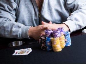 六本木のタワマンの一室で闇カジノ摘発される  バカラ賭博などをさせていたか