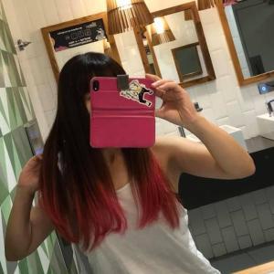 サンパウロの美容室で【ひかえめ】ピンクに染めた髪の毛の行方