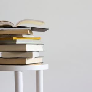 【読書しない理由5つ】読む人が少ないから読むだけで成功が近づく!|習慣化のコツ