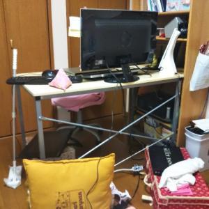ワークスペースを快適にしたいおひとりさまアラフォーはベッドを椅子替わりにしてみることにした