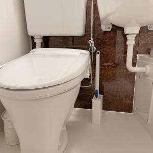 3点ユニットバスのトイレ掃除道具はどこに置いてる?