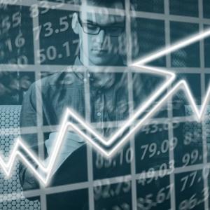 米国は経済の成績表でも先進国トップ