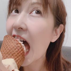 急いで行くアイスクリーム店…その訳は