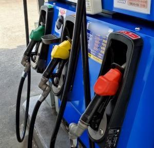 【初めてのガソリンスタンド】セルフ型ガソリンスタンドの不安を解消!手順の紹介