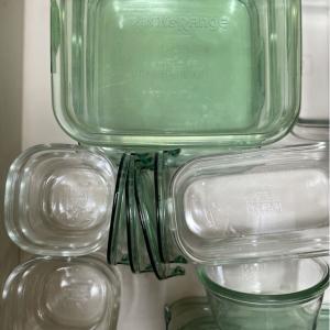 iwakiのガラス容器に変えました