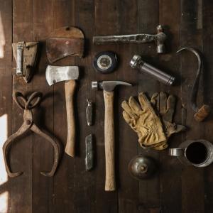 DIYで必要な工具の種類はコレ!【節約生活を自作家具で楽しく】