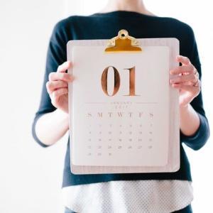 """【画像】ダイソーの""""透明カレンダー""""がすごいと話題!感想・反応まとめ【推し活応援】"""