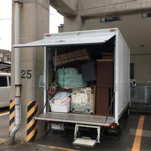 高松市にて不用品の回収×②を2tトラックにて