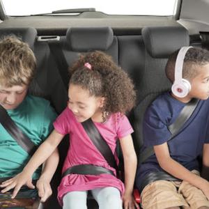 大人2人・子供3人におすすめな自動車5選!失敗しない選び方も紹介