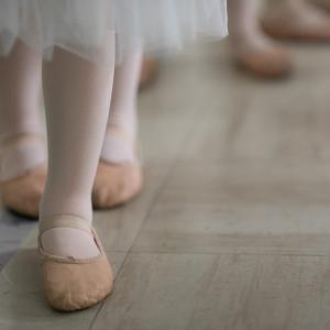 【子供の習い事】高いと言われるバレエのお月謝と発表会の費用を公開