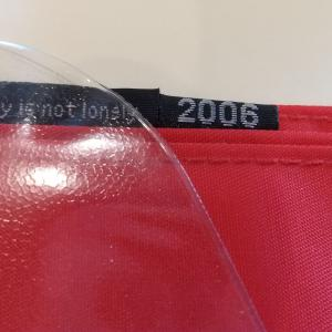 「ほぼ日手帳」2006年のカバーと2009年のカバーオンカバー