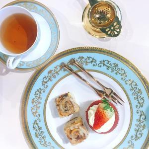 皆で優雅に紅茶で「アフタヌーンティー」を楽しむ際のマナーに関して考察