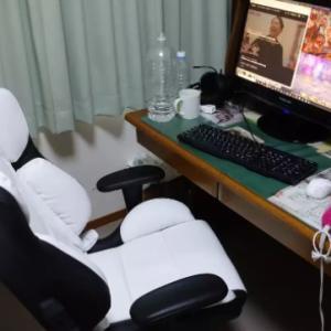 遂に椅子が届きました!!