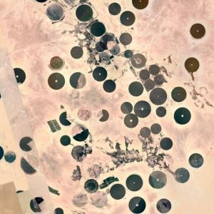 【画像】Googleマップでサウジアラビア見てたら変な場所見つけた!