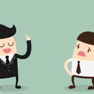 仕事ができない先輩の特徴と対処法【期待するだけ無駄です!】