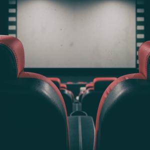 映画館の席でおすすめの一人席3選!一人映画初心者も楽しめる席を解説