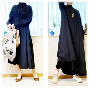 マキシ丈ワンピやスカートにレギンスやゆったり系のパンツをレイヤードしたいの 50代、60代、大人のリラクシー(テレワークにも)
