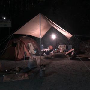 タープとテントを建てるのは夢がある