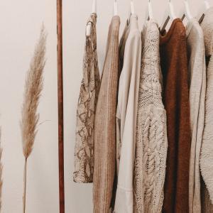 サステナブルファッションを通販で実践:オンラインショップ「oblekt」紹介【服と環境】