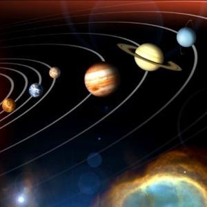 なぜ、太陽系の惑星は同一平面上に存在するのか?