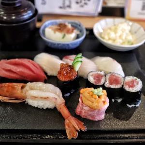 手頃で旨い人気店!うに黒毛和牛巻きと寿司盛りランチ!【魚八庭】