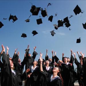 イタリアの大学は割引が超お得!?ミラノの私立・国立大学の学費や割引制度の使い方!