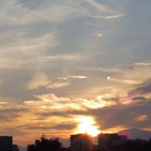 今朝は日の出の時刻を狙ってみました!