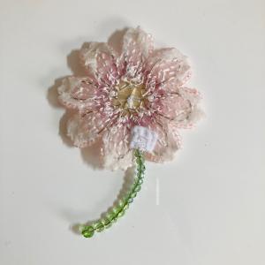 お花モチーフに茎をしっかり固定するコツ!