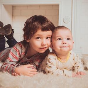 男の子2人は「かわいそう」なの!?年子で男子2人を育てる私が感じている周囲の視線
