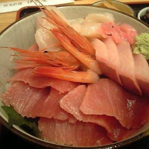 【鮮魚料理 伊勢屋】分厚い刺身がのった海鮮丼【神奈川・茅ヶ崎市】