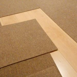 Room11:タイルカーペットで簡単に模様替え!色々な部屋でも大丈夫。おススメです。