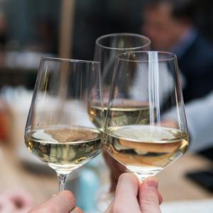 【コスパ最強】7ドル以下!超プチプラ白ワイン5選(トレジョで買えるよ)